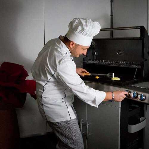 1472025458-chef.jpg